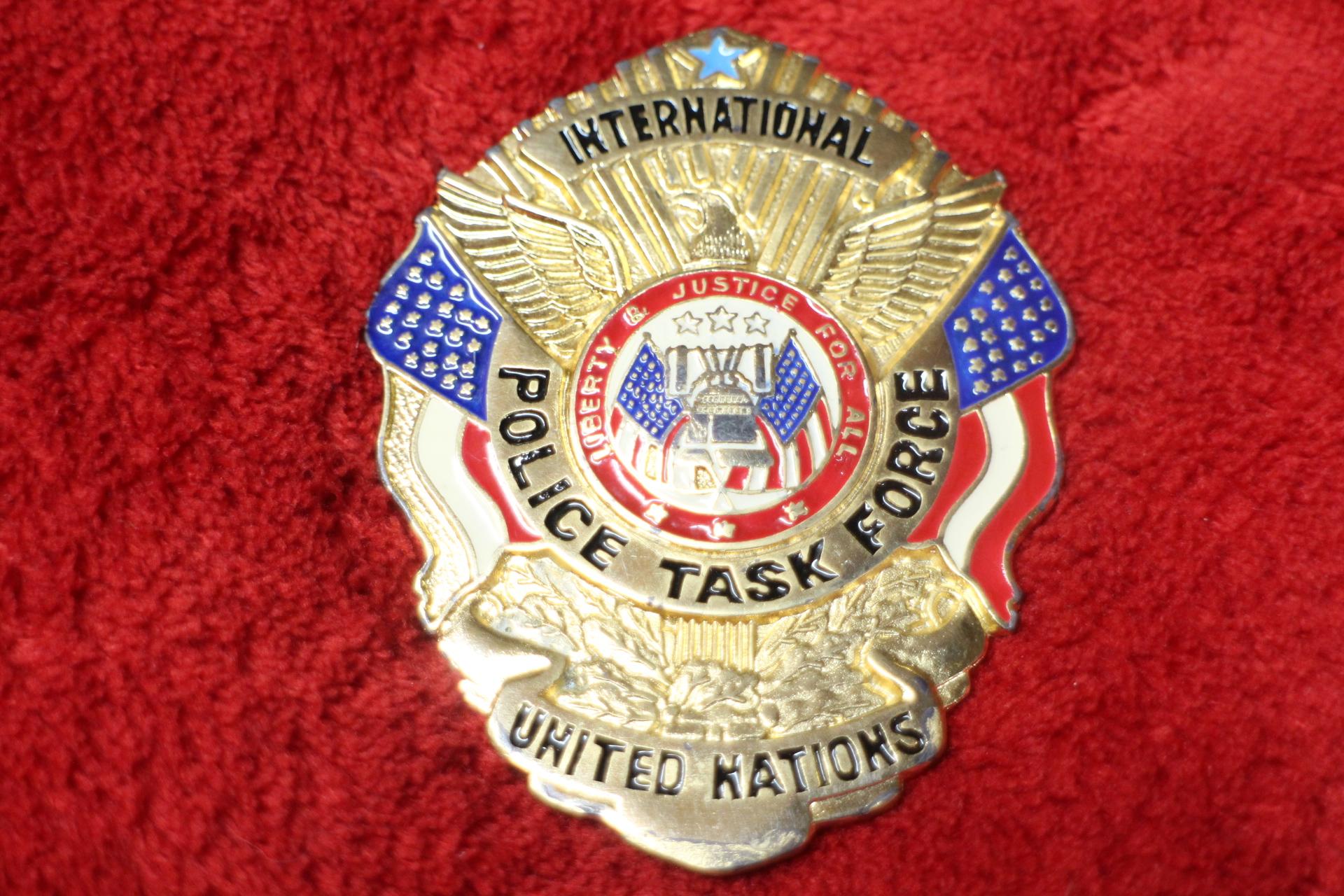 international police task force badge united nations. Black Bedroom Furniture Sets. Home Design Ideas